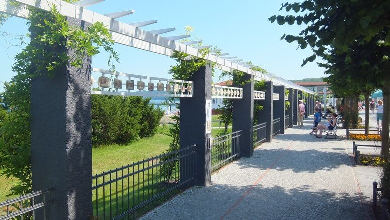 Promenade nahe dem Kurhaus in Binz