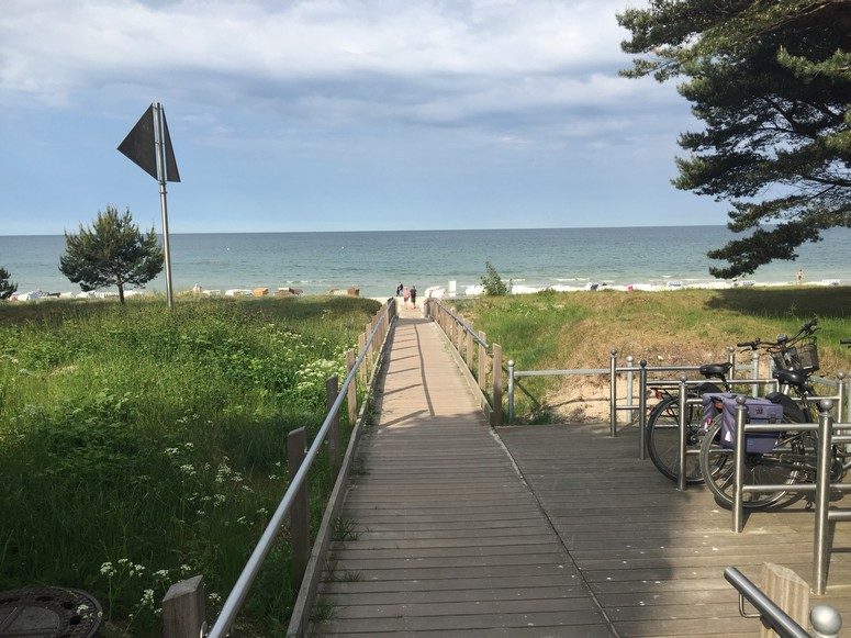 Strandübergang direkt am Grundstueck